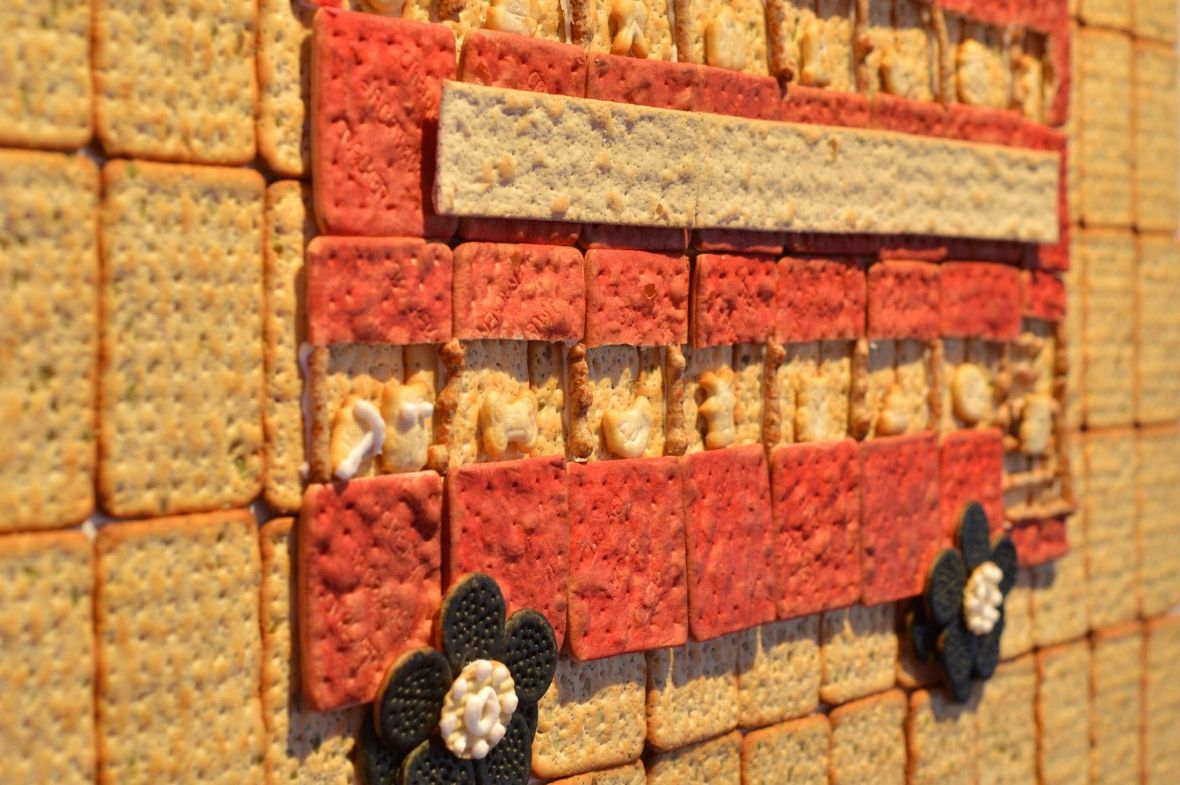 Double-Cracker-Bus-2